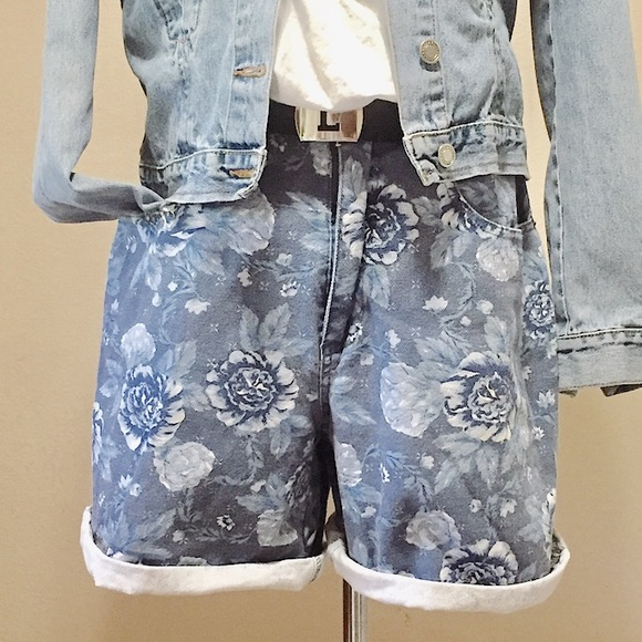 352c956e5e Vintage Shorts | 90s Express High Waist Mom Jean | Poshmark